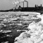 Starker Eisgang vor der Zementfabrik 1954