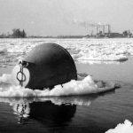 Starker Eisgang mit Schwimmboje, 1956