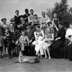Gruppenbild am Badestrand 1932