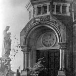 V067 | Südportal der katholischen Kirche