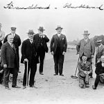 Nach der Planung des neuen Strandbads; 4. von links Bürgermeister Nücker, 3. von rechts Jakob Sebastian Bauer, ca. 1927/28
